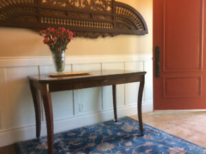 Desk/accent table