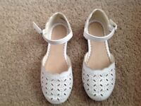 White Sandals Child Size 10