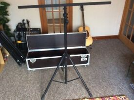 Heavy duty Pro Lighting stand with T-Bar