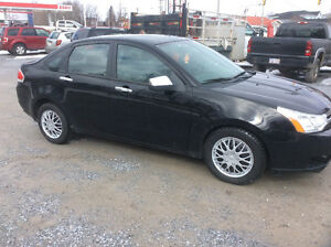 2009 Ford Focus SES 5 speed  Wholesale to public price $3000.00