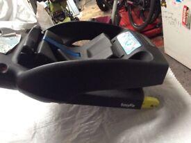 Maxicosi car seat base for sale