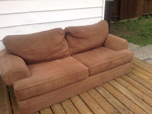 FREE COMFY COUCH - LIGHT BROWN
