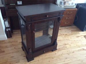 Display cabinet - vitrine
