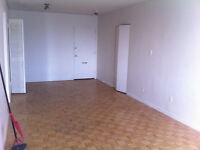 1 bedroom apartment lease transfer for October 1