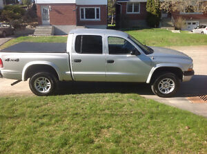 2004 Dodge Dakota 4X4 Quad Cab Pickup Truck