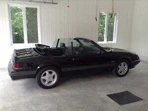 1986 Ford Mustang cuir Cabriolet
