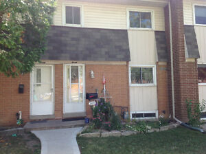 Townhouse Condo Windsor East Side Windsor Region Ontario image 1