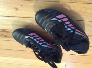 Girls soccer shoes /spikes