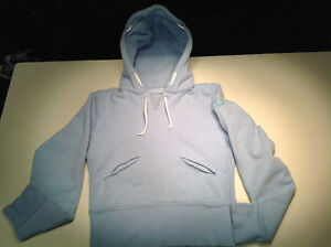Lululemon Woman's Hoodie (small) new condition BABY BLUE