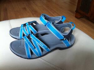 Sandales de marque TEVA gr 9