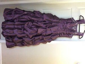 Graduation/prom gown