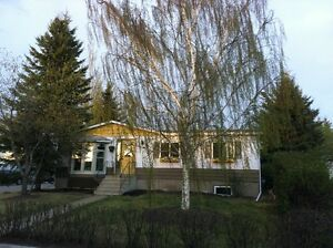 For 1 OCTOBER   1050 SF HOME WITH GARAGE IN AIRDRIE = $1500