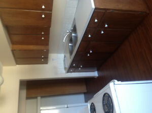2 Bdrm Apt, Quiet, Cosy and Secure Availabe Nov 1st