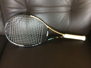 Wilson BLX Blade 98 Tennis Racquet (18x20) 4 3/8 grip