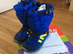 Winter sneaker boots
