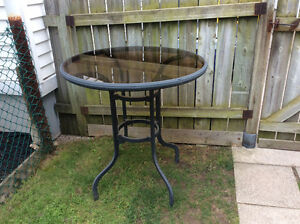 Stand Up Patio Bar Table 3 ft. High, 3 ft. Diameter