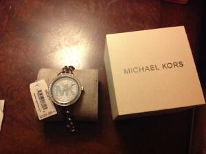 montre Michael Kors neuve avec étiquette et boîtier