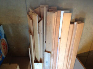 Used Mouldings and baseboards for sale