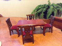 dollhouse miniature dining table and chairs