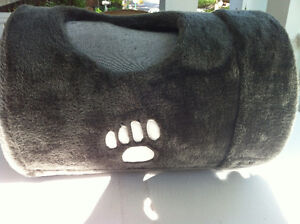 Plush Long Cat Expendable Tunnel With Two Extra Holes - Gray Peterborough Peterborough Area image 2