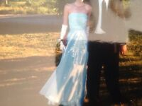 Beautiful prom or bride's maid dress / Superbe robe de bal