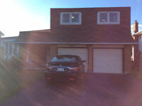 House to sale on Grey Nuns Drive Orleans (Convent Glen South)