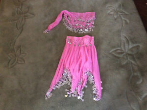 BELLY  DANCE. COSTUMES