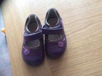 Clark's shoes 3 1/2. Girls purple shoe