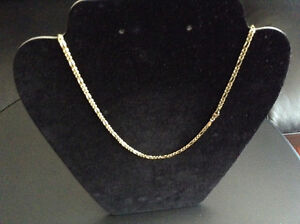 10 assorted necklaces