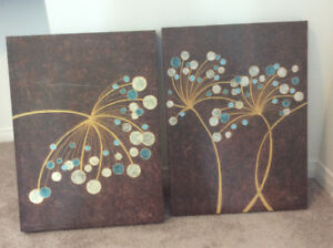 A pair of pretty Canvass Pictures