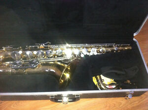 BUNDY 2 ALTO SAXOPHONE BY SELMER WITH HARD CASE  used