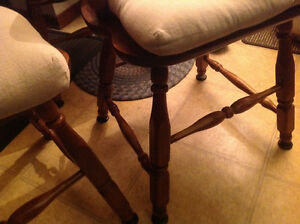 dining chairs 4 solid maple wood set good shape ,only 50 dollars Kitchener / Waterloo Kitchener Area image 9