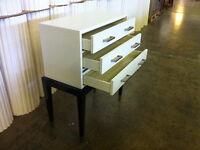 COMMODE EXCLUSIVE (NEUF) - EXCLUSIVE DRESSER (NEW)