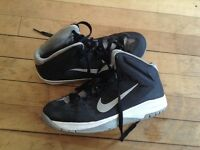 Nike black and white basketball sneakers size 7