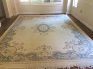 Georgeous hand knotted 8' x 10' wool area rug