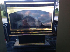 """HUNTER"" FREE STANDING GAS FIREPLACE 28,000 BTU"