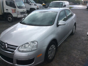 2006 VW Jetta 2.5 gas 5 speed May MVI 2008 kms clean $2650.00