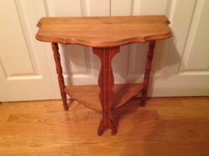 Antique table in perfect condition refinish