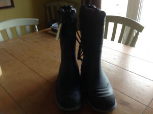 Steel toed lined boots new
