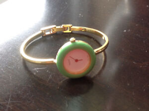 Vintage GUCCI Bangle Watch ( Changeable Bezel )