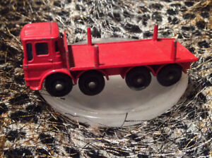 Matchbox series 10 Pipe Truck England By Lesney Ergomatic cab
