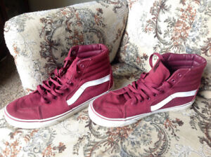 VANS SHOES 9.5 (lightly used)