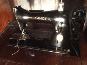 1920's Antique Electric Victorian Singer Sewing Machine