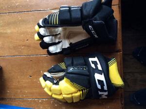 Ccm supertacks gloves size 12
