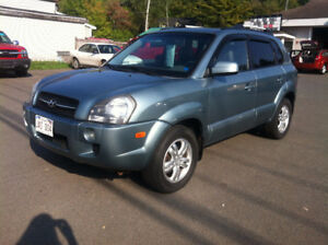 2008 HYUNDAI TUCSON, 4X4, LEATHER, CALL 832-9000 OR 639-5000