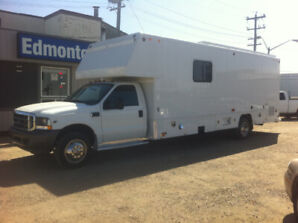 2003 FORD F-550 24FT  SERVICE CUBE VAN