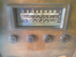 ANTIQUE CROSLEY FLOOR RADIO London Ontario image 3