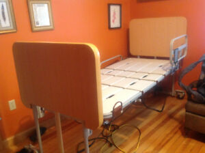 Electric Hospital/medical bed, like new