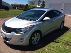 2013 Hyundai Elantra Limited - Excellent condition
