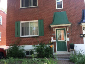Upper Duplex Available for Rent, July 1. (4 1/2)